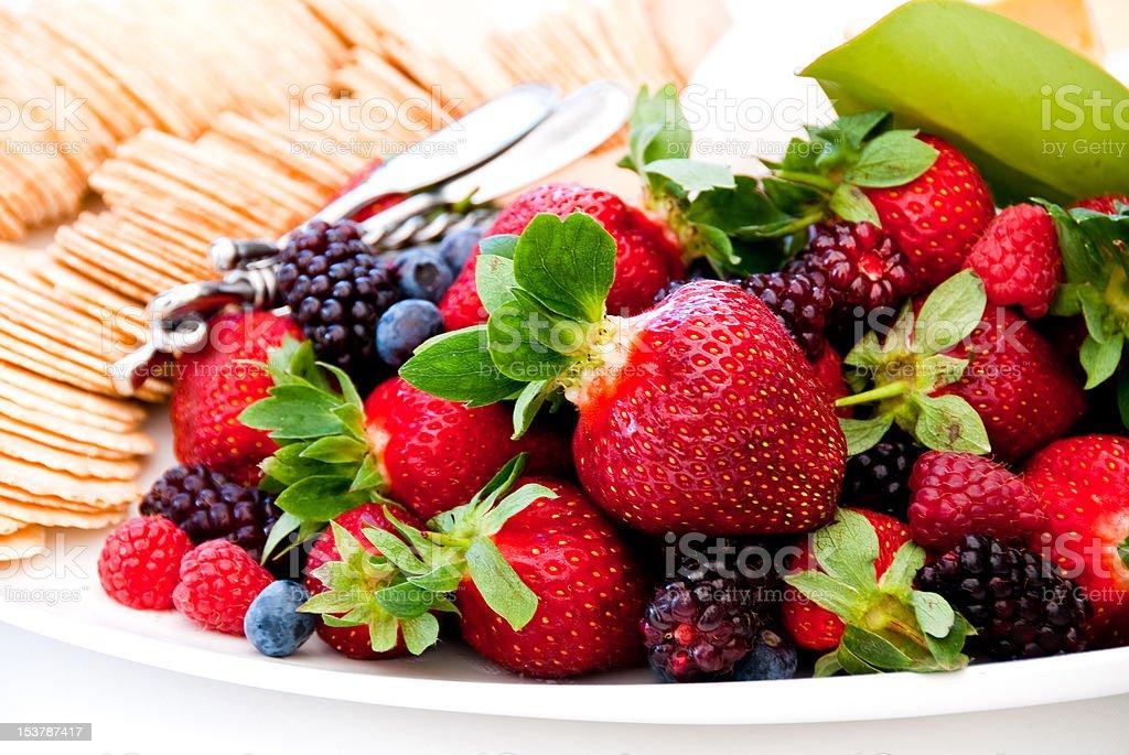 De fruta baya placa foto de stock libre de derechos