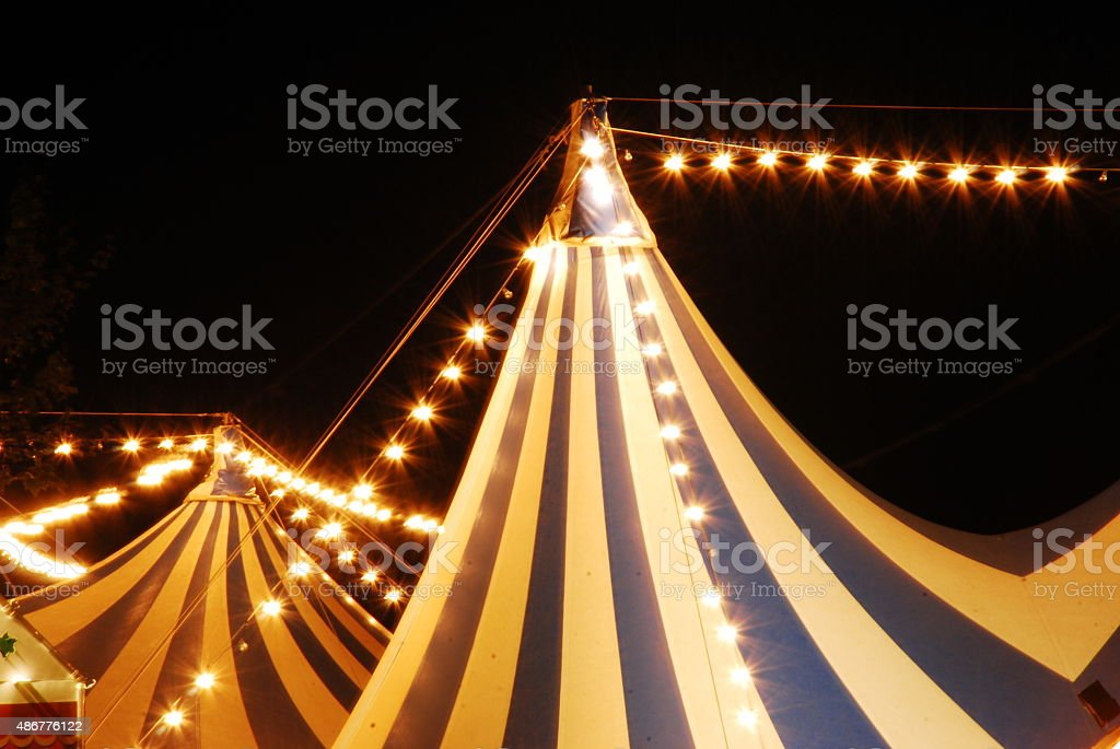 bienvenidos al circo stock photo