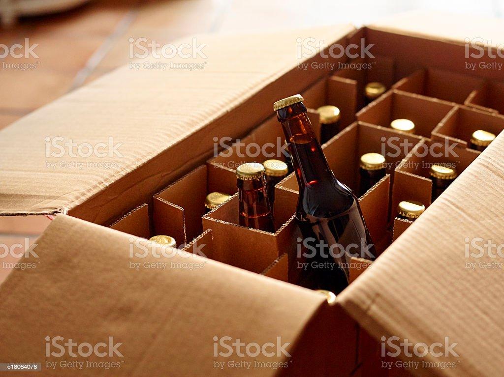 Bier online kaufen und per Post oder Versand liefern lassen stock photo