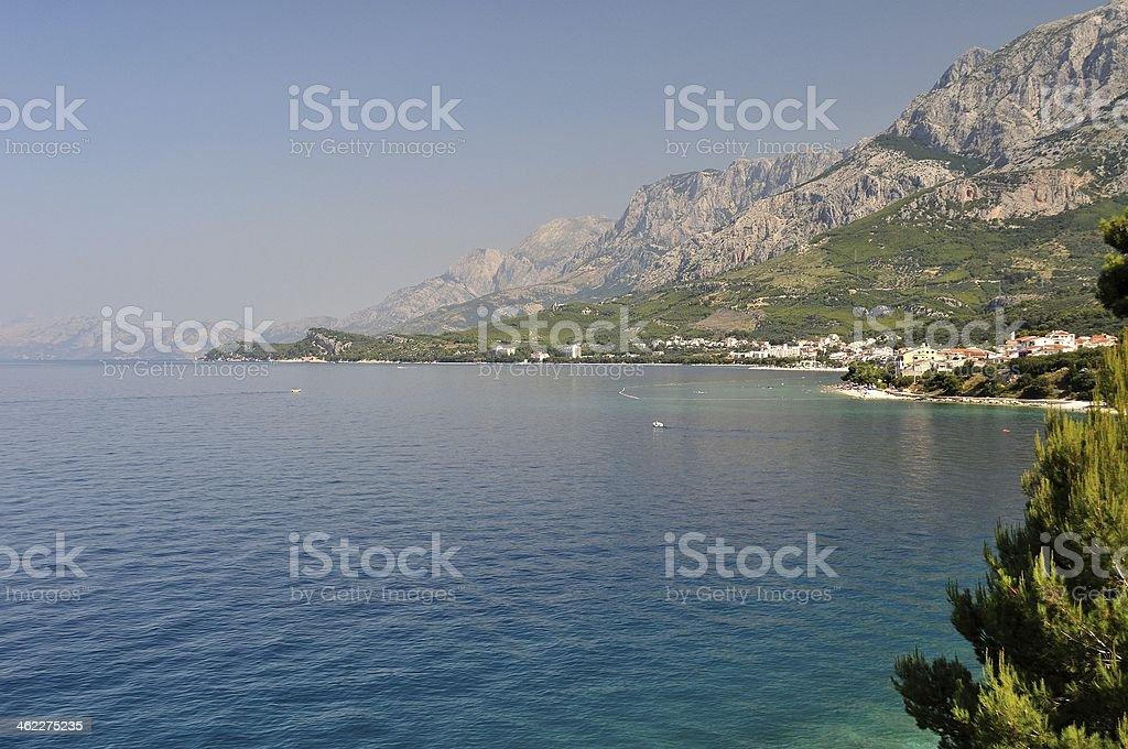 Biokovo mountain z Morze Adriatyckie w Tucepi, Chorwacja zbiór zdjęć royalty-free