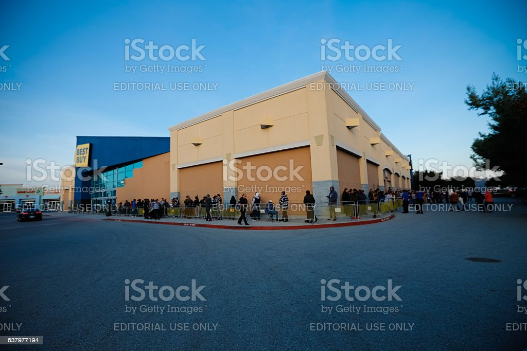 Black Friday Line At Best Buy on Thanksgiving stock photo