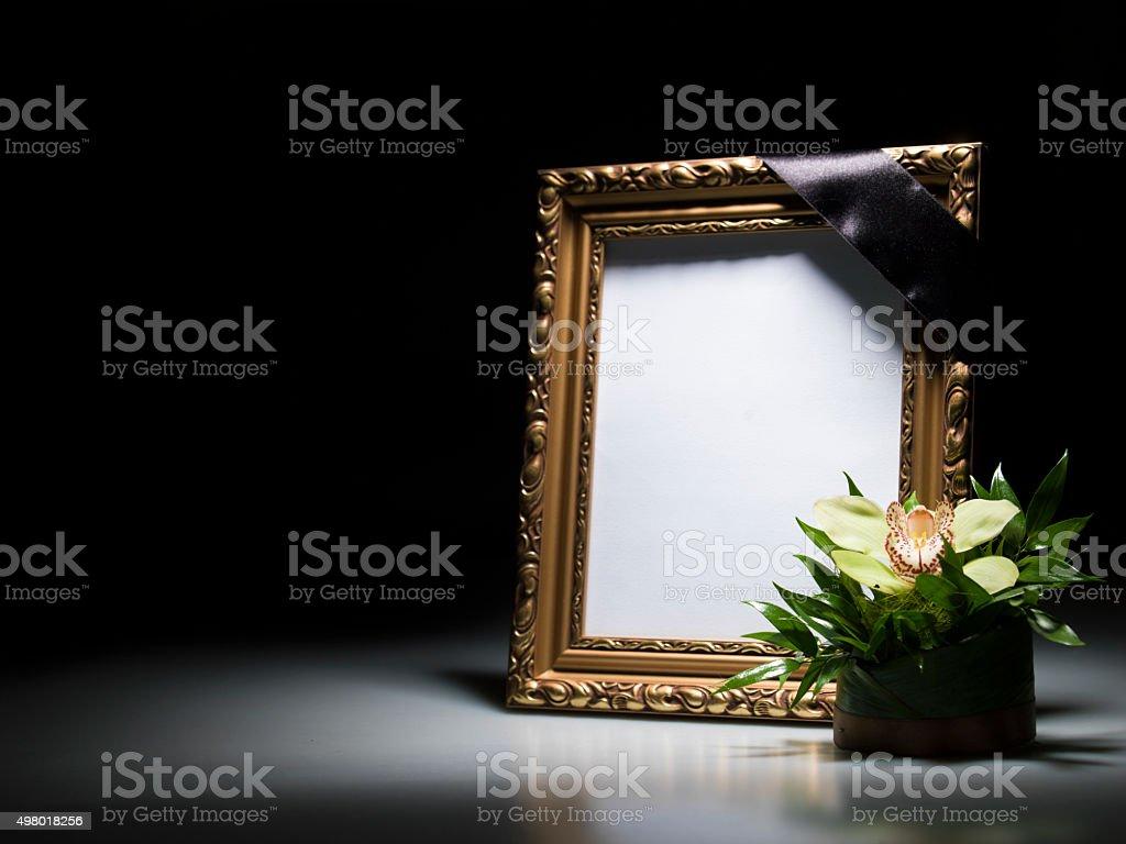 Как сделать траурную рамку к фото 815