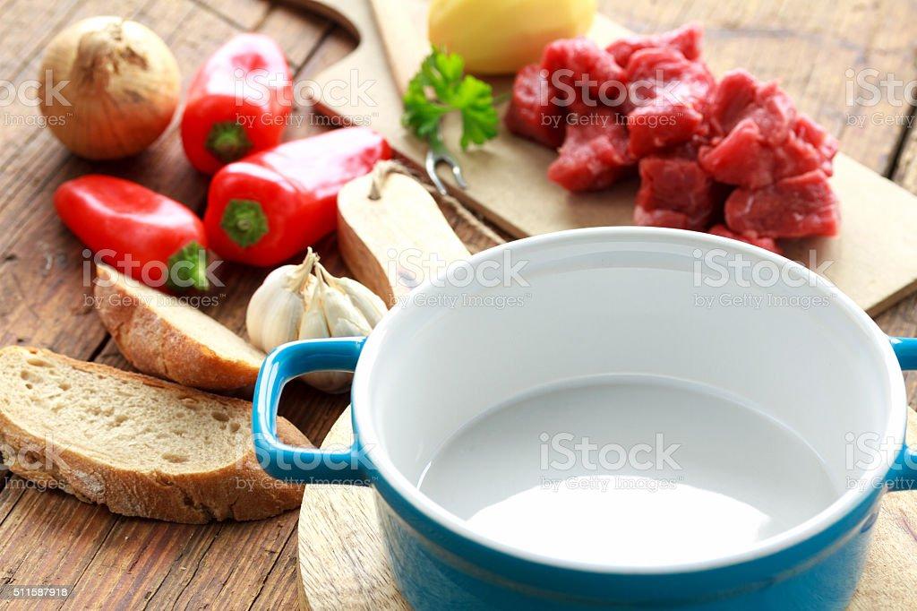 blaue Keramikschüssel stock photo
