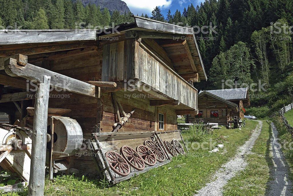 Blockhaus eines Bergdorfes in Tirol stock photo