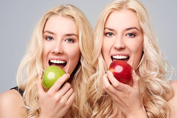 Resultado de imagen para Blonde Twins With Healthy Teeth