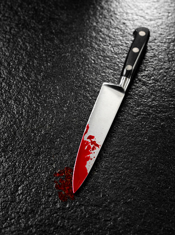 how to draw a knife with blood