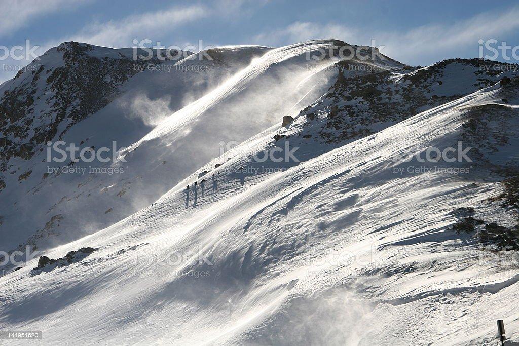 Nieve y viento en las Montañas Rocosas foto de stock libre de derechos