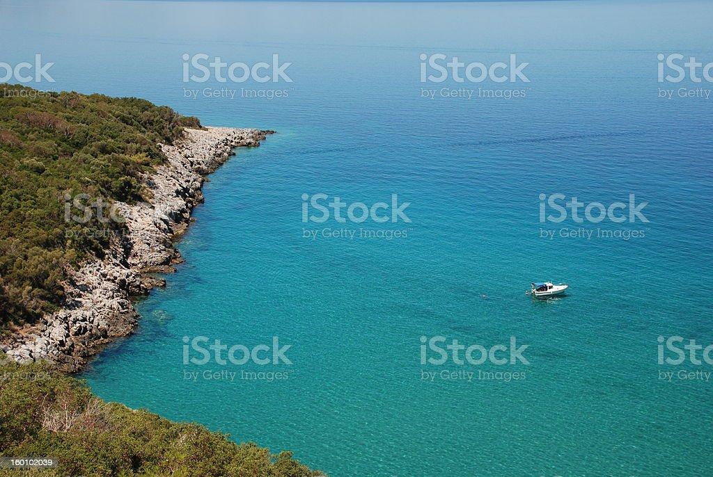 Blue bay und Boot Lizenzfreies stock-foto