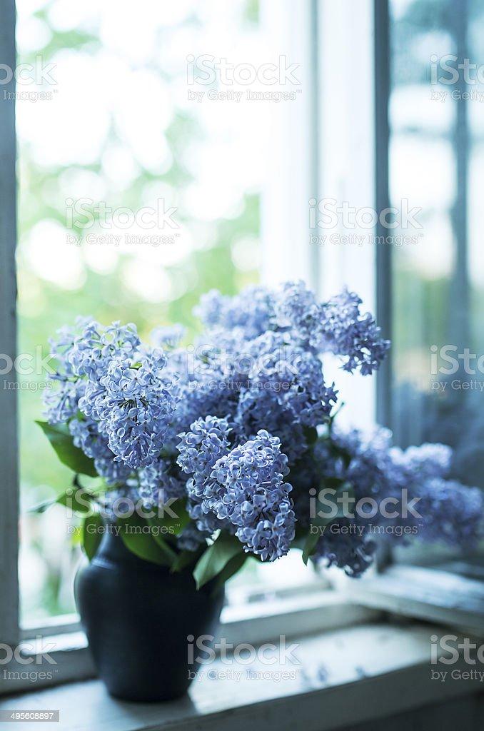 Creating Window Sill Flower Arrangements - YouTube