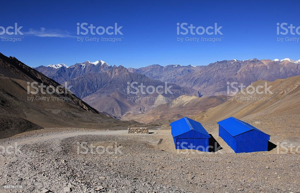 Blue shelter on the way to Muktinath stock photo