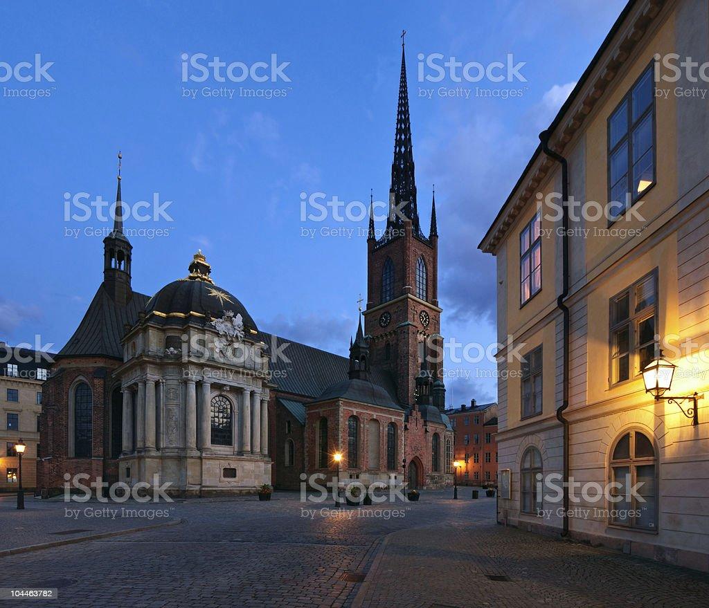 Blue-hour shot of Riddarholmskyrkan in Stockholm stock photo