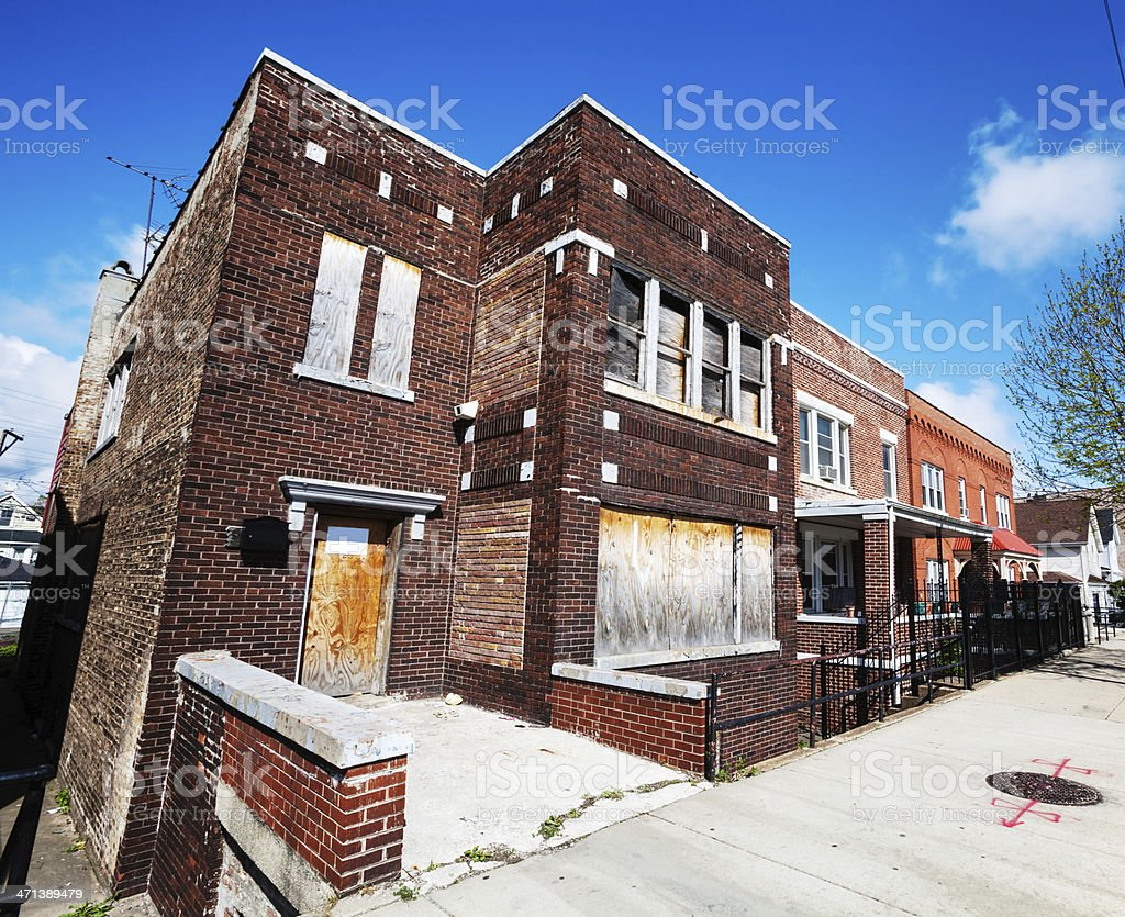 Boarded up Edwardian town house in Chicago stock photo