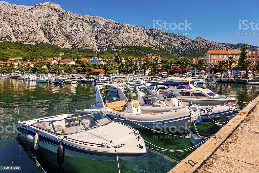 Barcos em uma marina foto royalty-free