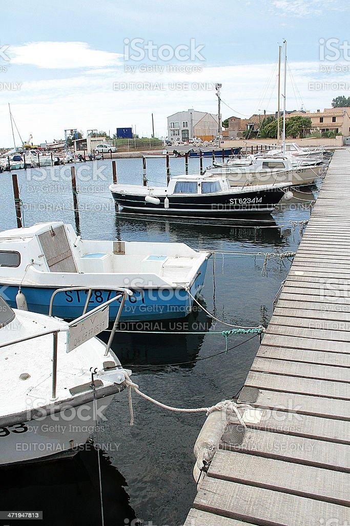 Imbarcazioni in Marseillan Marina, Francia foto stock royalty-free