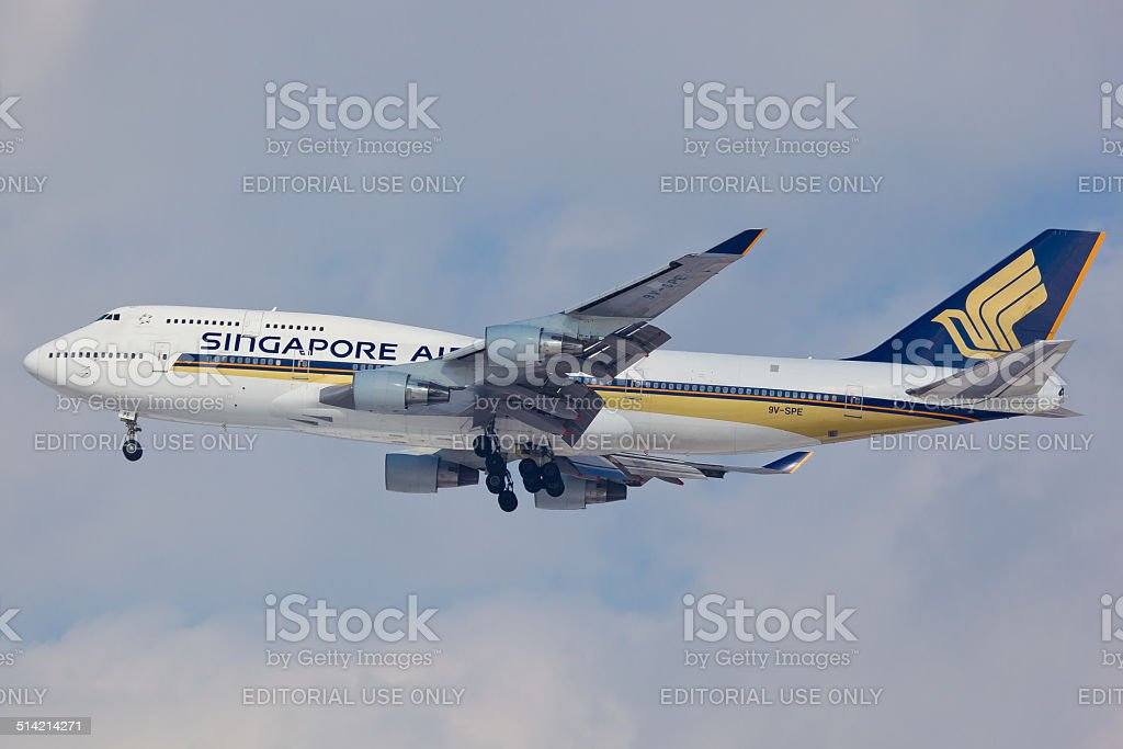 Boeing 747 Singapore Airlines approaches JFK Airport stock photo