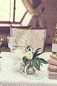 bouquet of white flowers. wedding table decor.