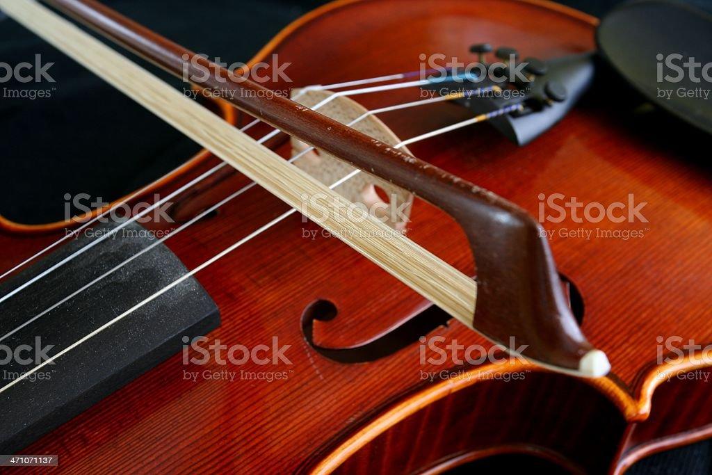 Bow and violin royalty-free stock photo