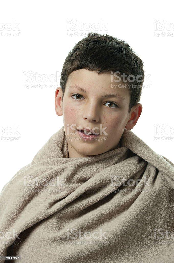 Niño en una manta foto de stock libre de derechos