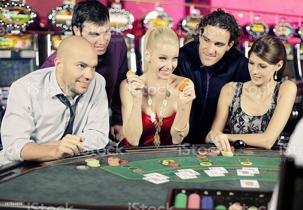 How to play black jack at casino make casino chips