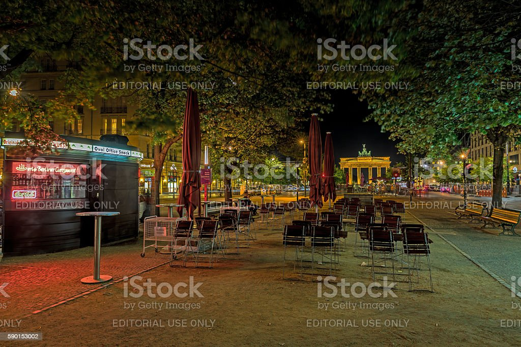Brandenburger Tor und Friedrichstraße stock photo
