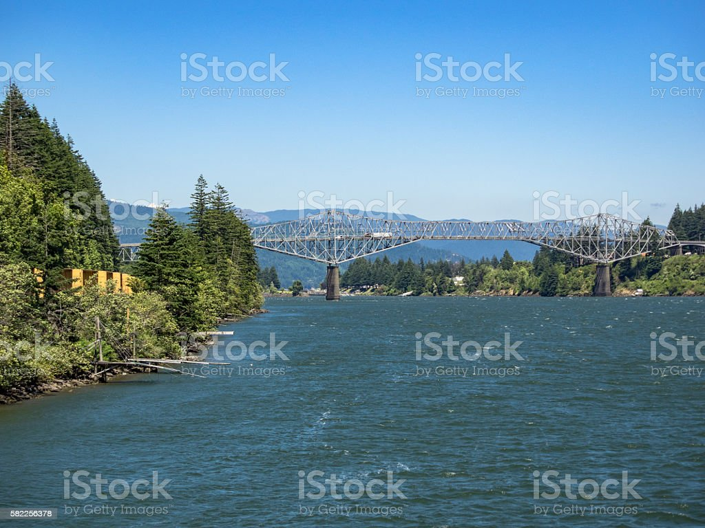 Bridge of The Gods Columbia River Washington Shore to Oregon stock photo