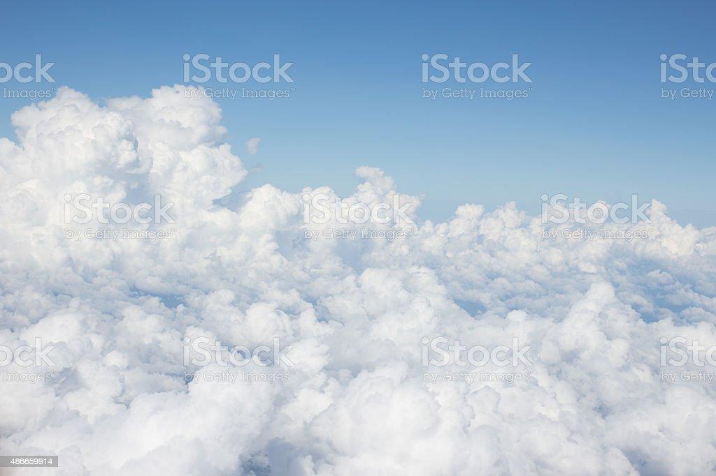 Яркие облака с голубой небо, светло-серый Стоковые фото Стоковая фотография