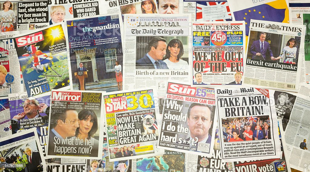 British newspapers reporting Prime Minister David Cameron resigns stock photo