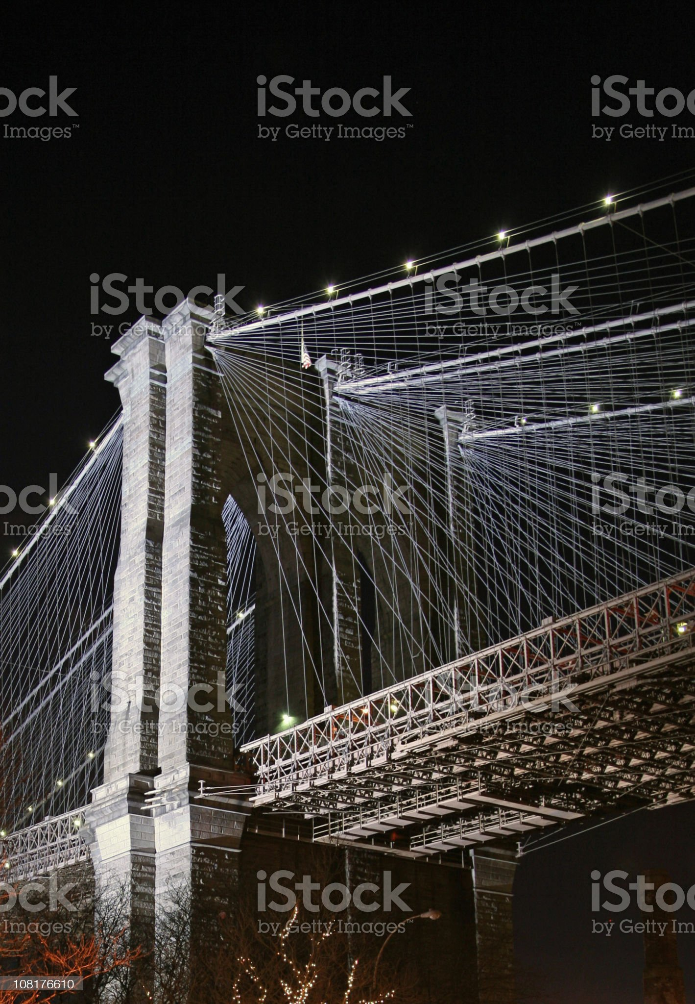 Brooklyn Bridge Illuminated At Night royalty-free stock photo