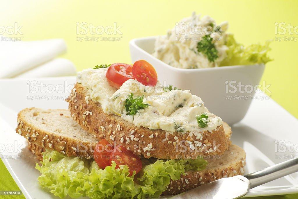 Тёмный хлеб с косой Стоковые фото Стоковая фотография
