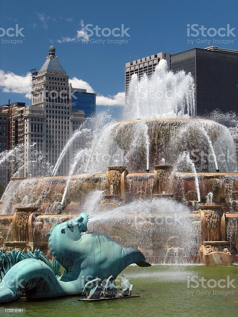 Buckingham Fountain and Chicago Cityscape stock photo