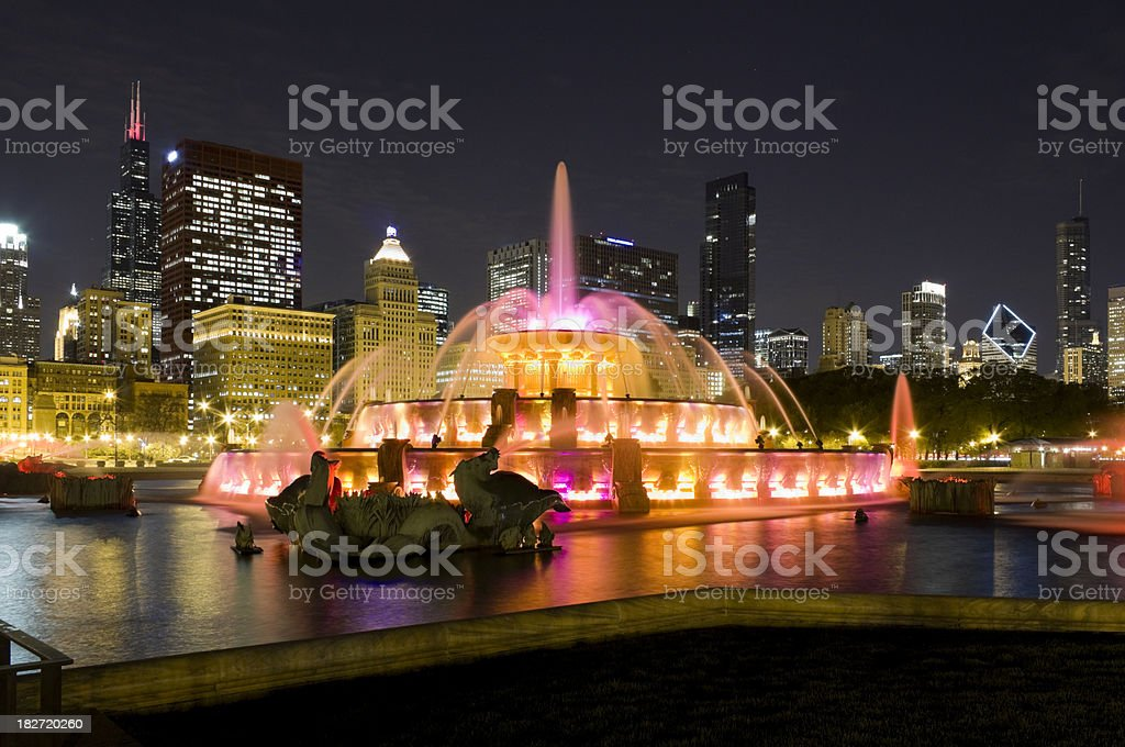 Buckingham Fountain and Downtown Chicago at Night royalty-free stock photo