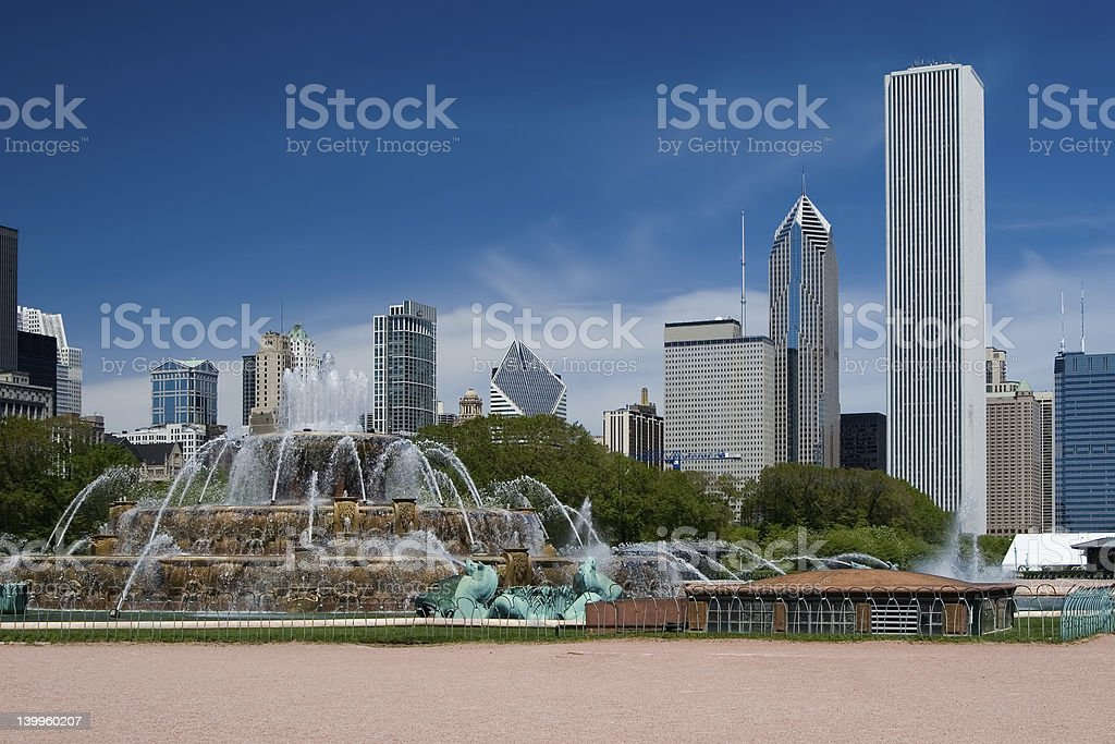 Buckingham Fountain and The Chicago Skyline stock photo