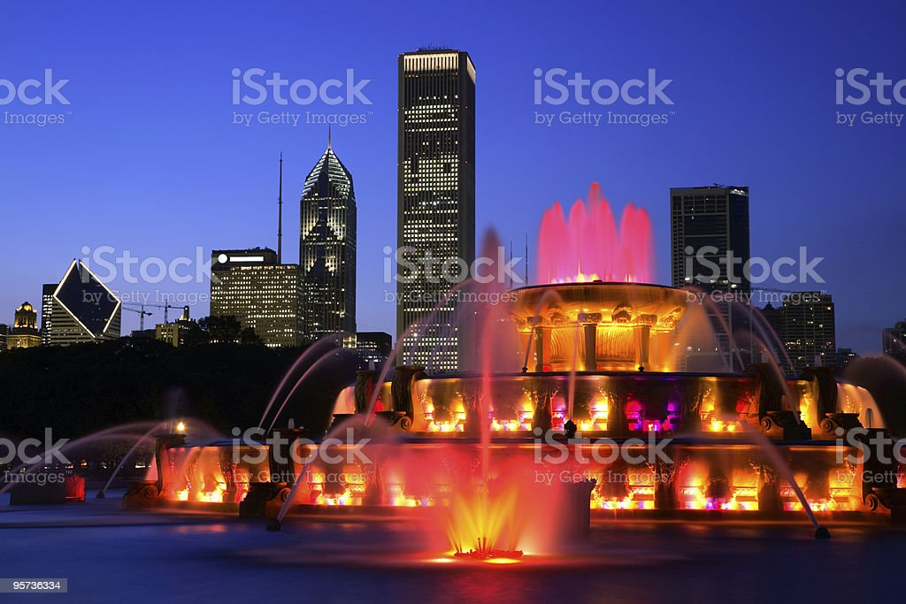 Buckingham fountain in Chicago lit up at night stock photo