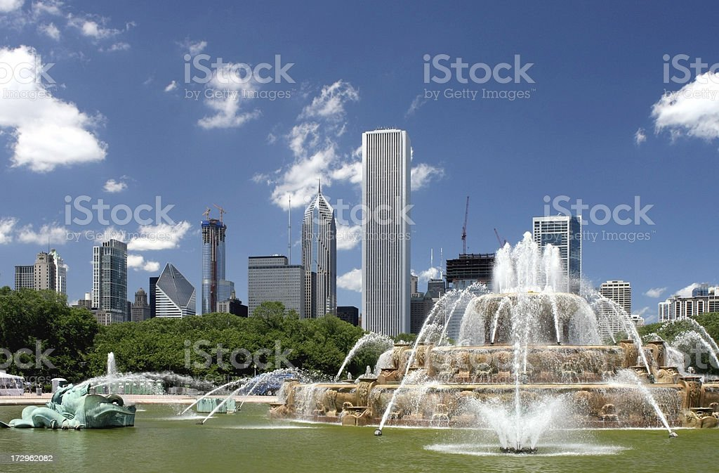 Buckingham Fountain & North Cityscape stock photo