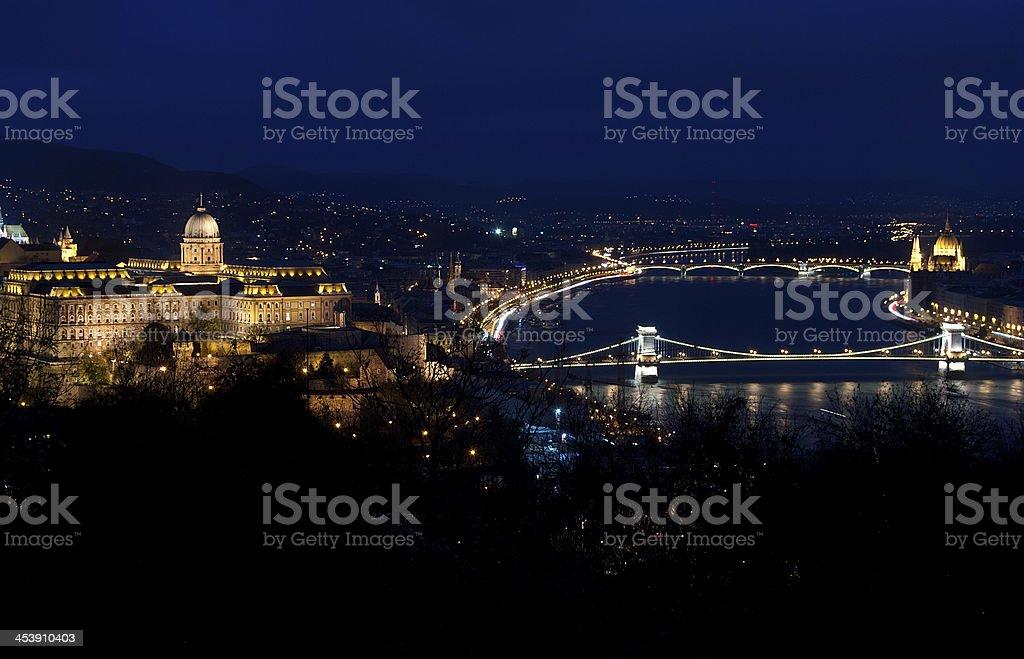 Budapest por la noche foto de stock libre de derechos