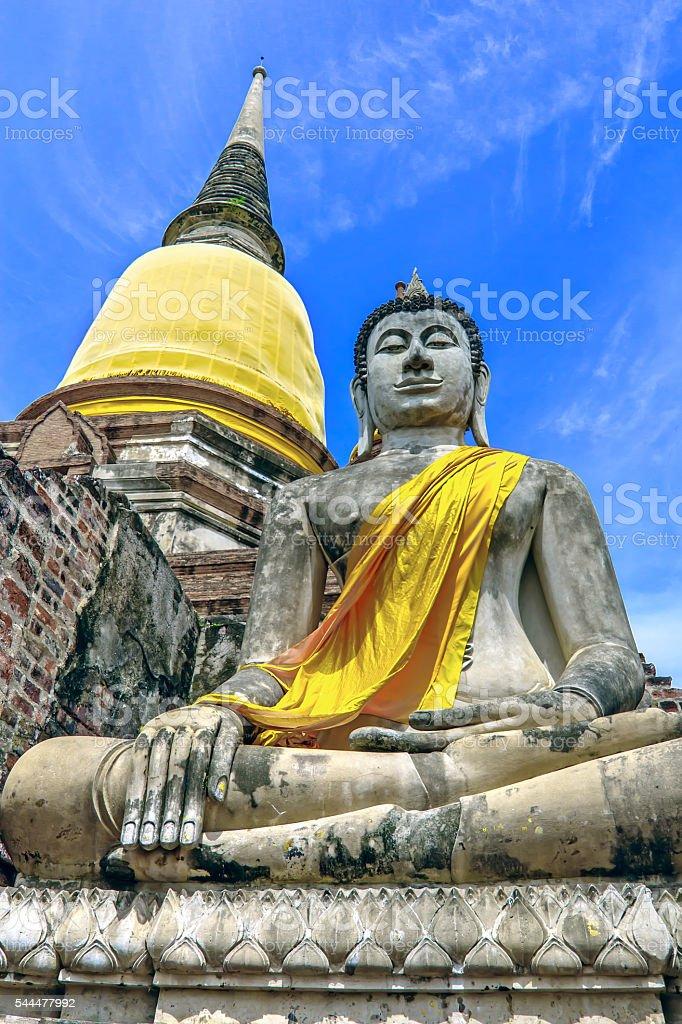 Buddha Statue at Wat Yai Chaimongkol, Ayutthaya Historical Park, foto royalty-free