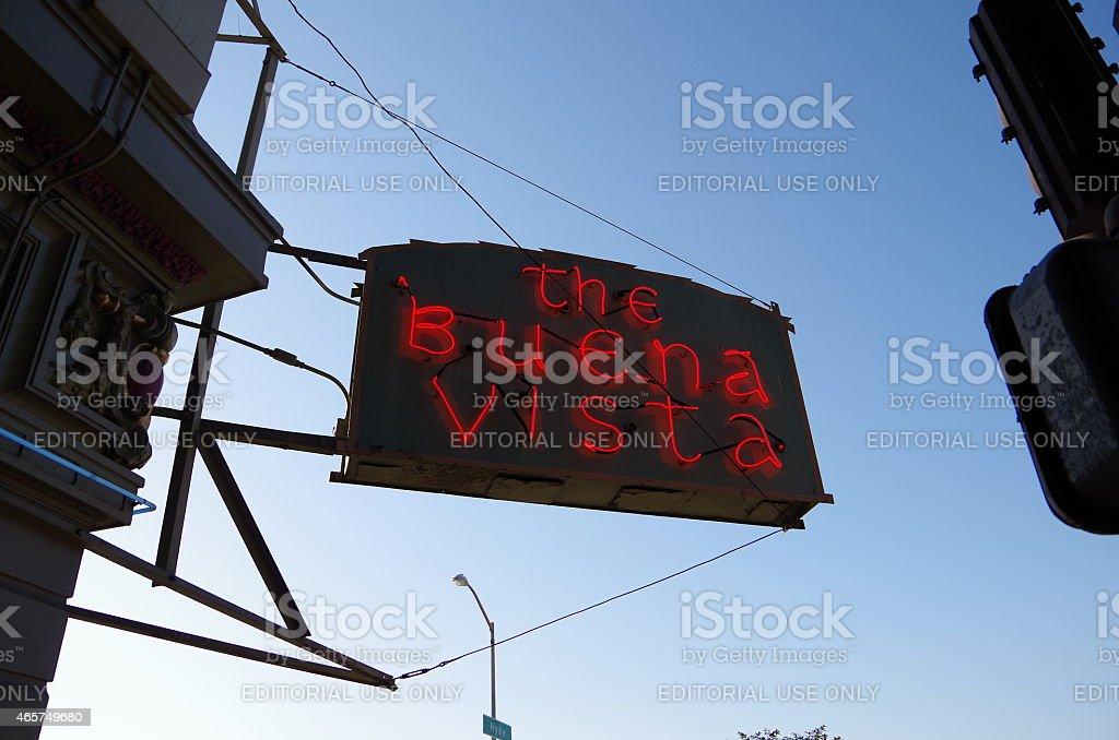 Cafetería Buena Vista en el crepúsculo foto de stock libre de derechos