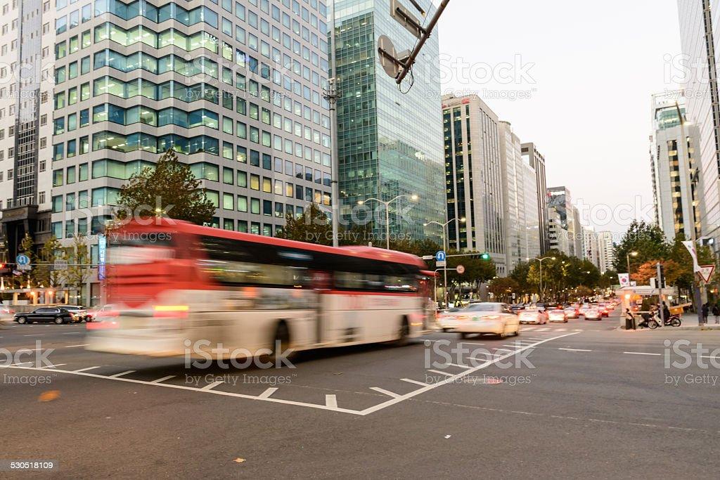 Autobus w mieście zbiór zdjęć royalty-free