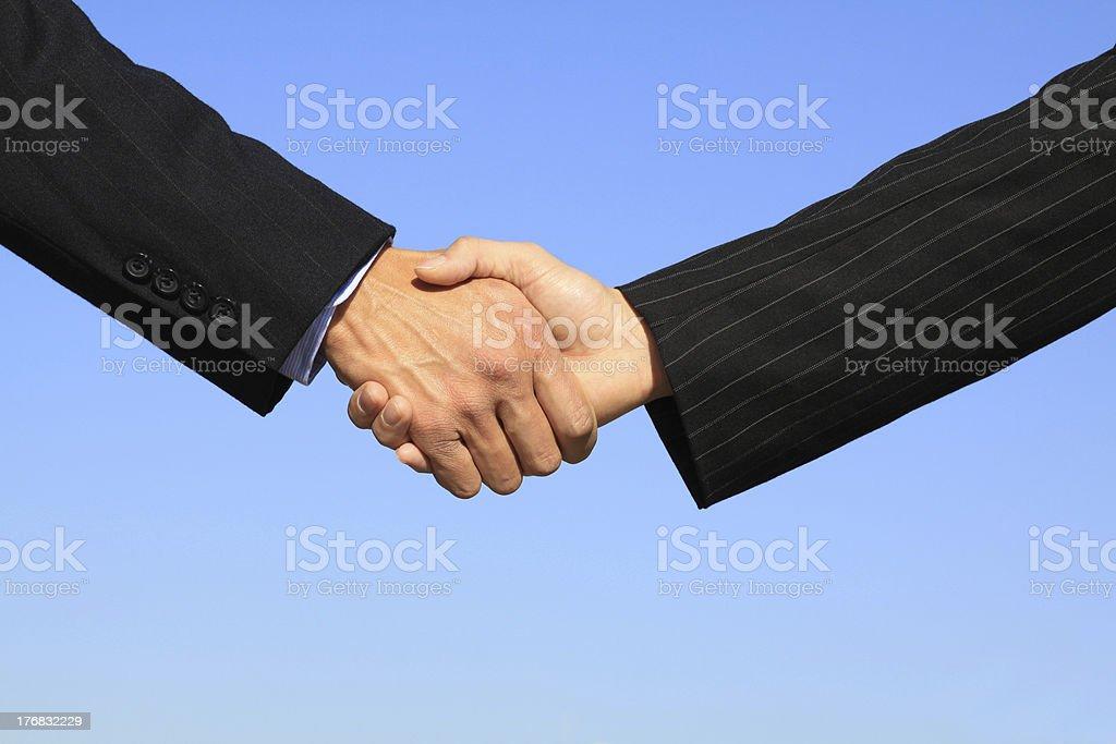 Poignée de main affaires la conclusion de l'affaire photo libre de droits