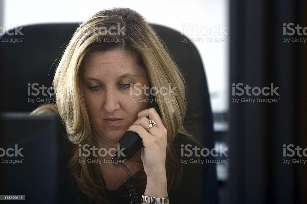 Donna d'affari al telefono foto stock royalty-free