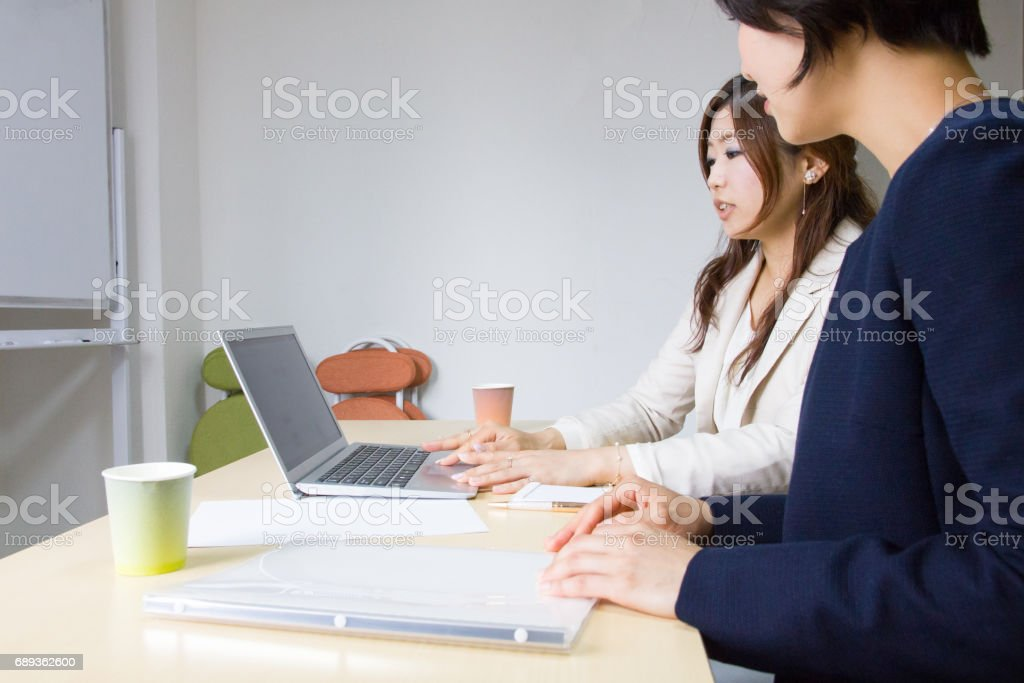 Business Women, One-to-one Meeting stock photo