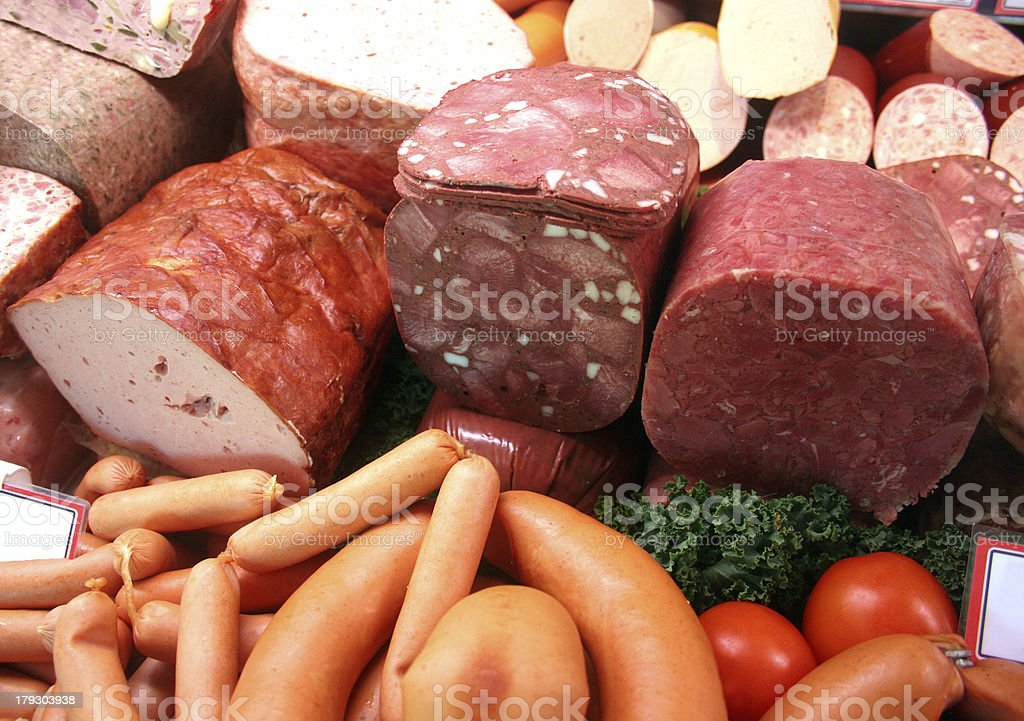 Metzgerei Ladentheke: Wurst, Blutwurst, Leberkäse, Wiener Würstchen royalty-free stock photo