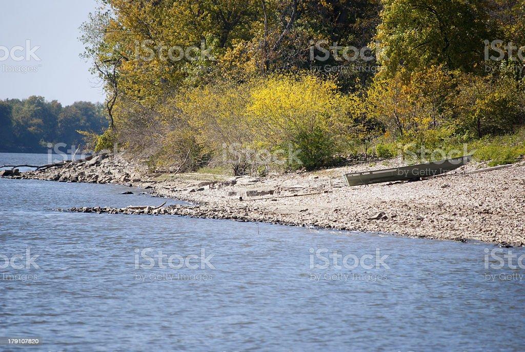 Bord de la rivière photo libre de droits