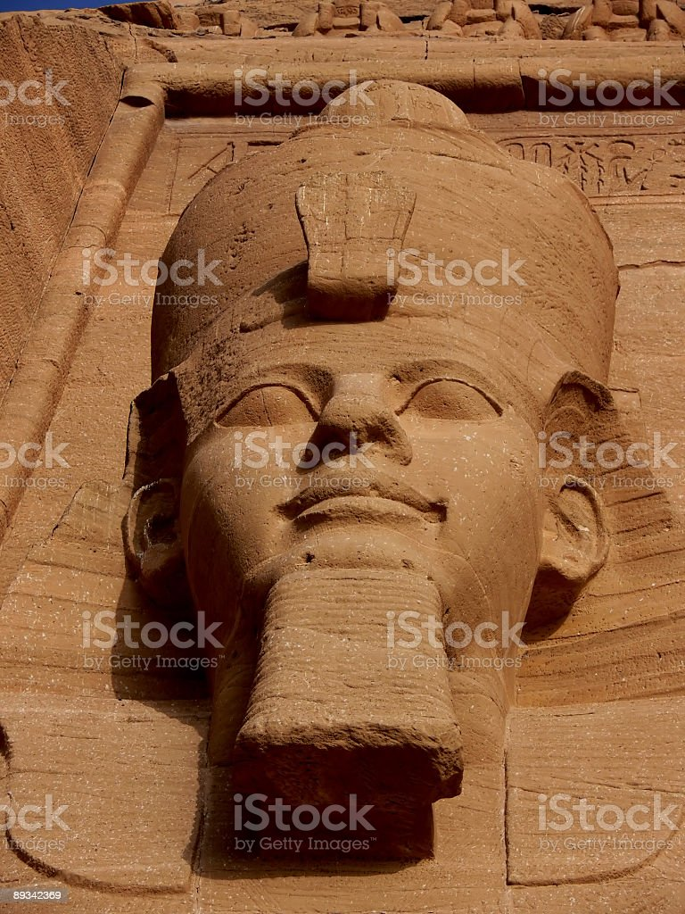 Cabeza de una estatua en Abu Simbel stock photo