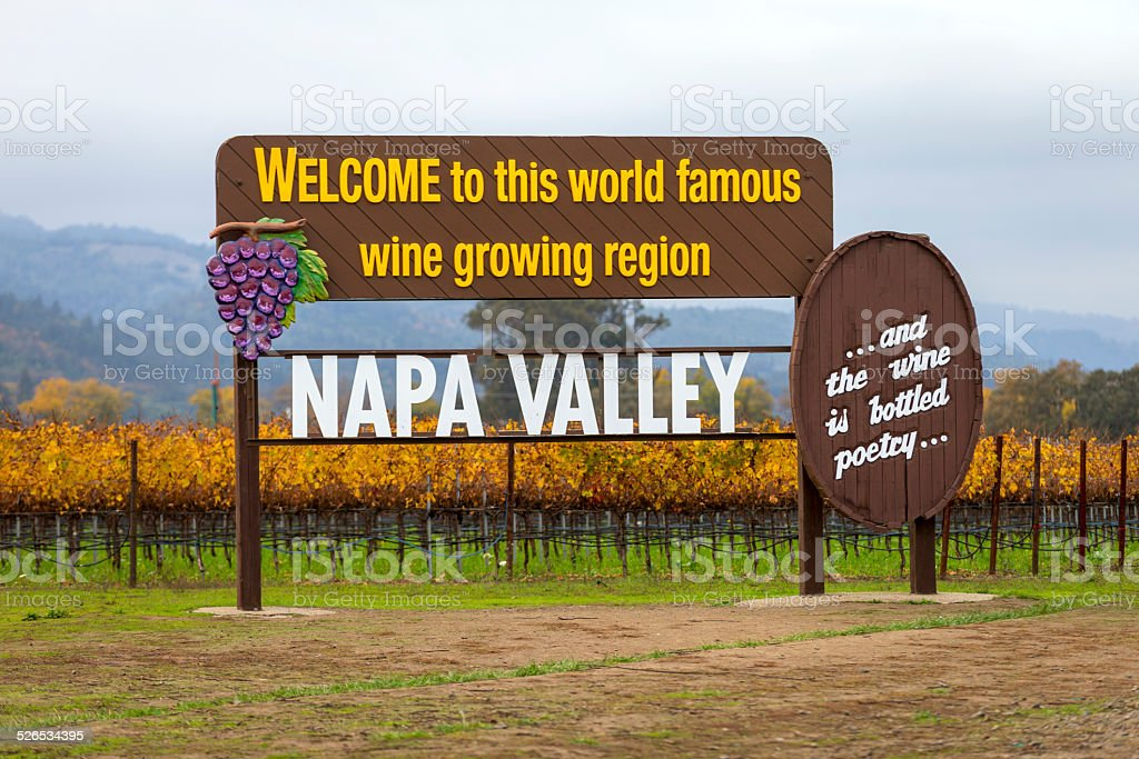 USA, California, Napa, Welcome sign near vineyard stock photo