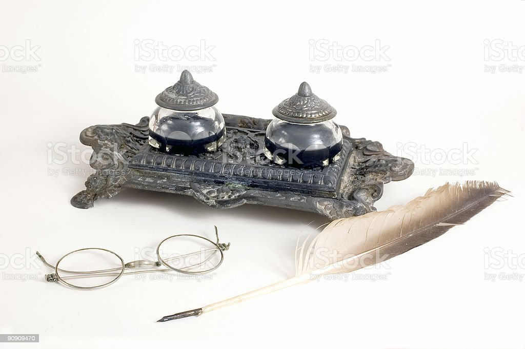 Calligraphic penna e occhiali foto stock royalty-free