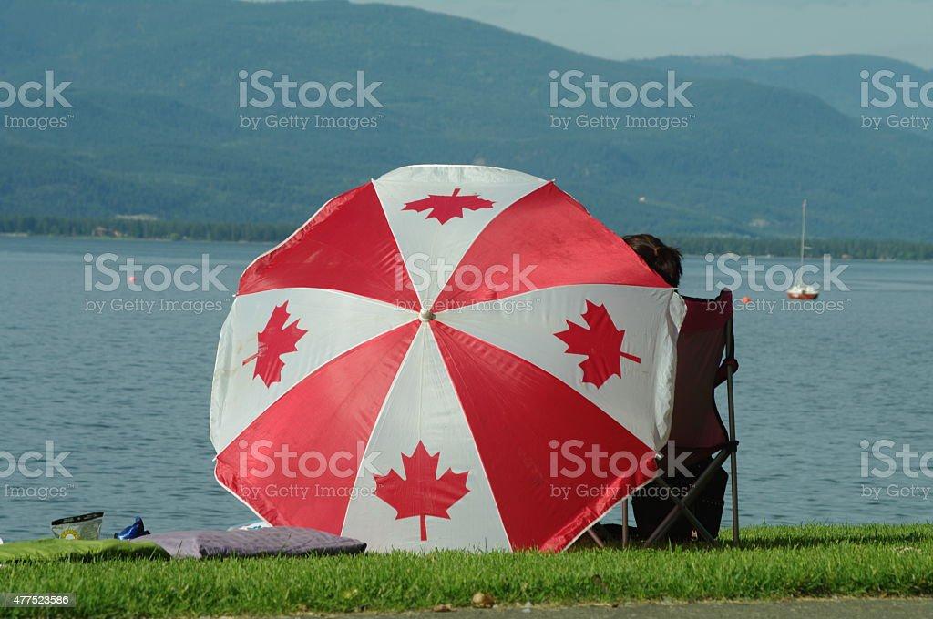 Día de Canadá por el lago foto de stock libre de derechos