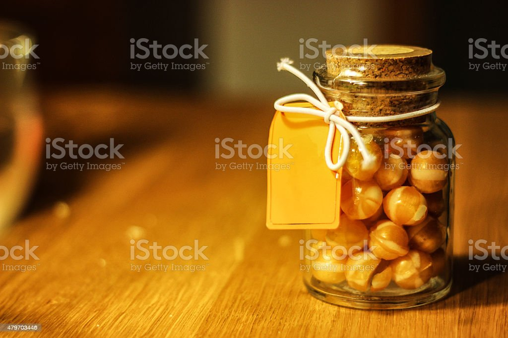 Bonbonglas mit Karamell Bonbons stock photo