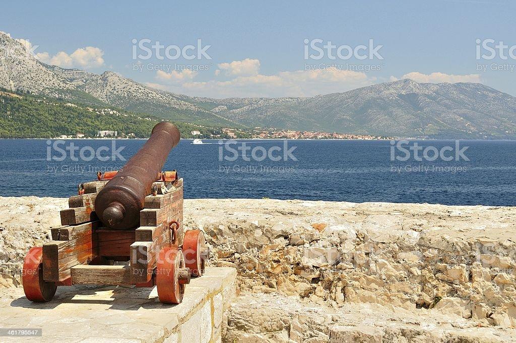 Cannon w starej Twierdzy na średniowieczne miasto Korčula zbiór zdjęć royalty-free