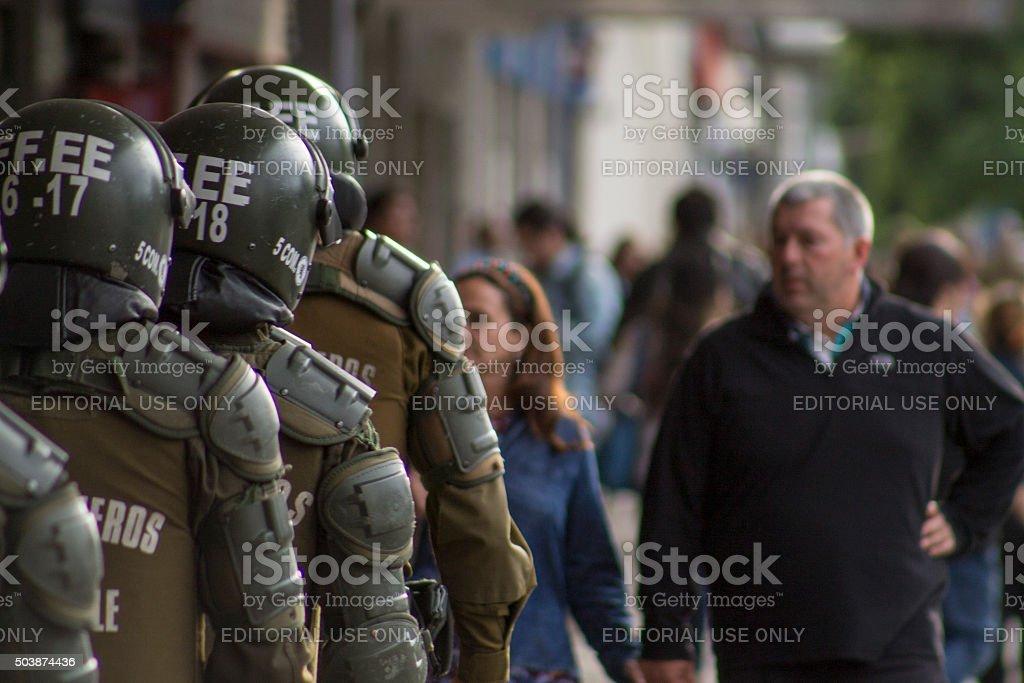 Carabineros de Fuerzas especiales durante manifestacion stock photo